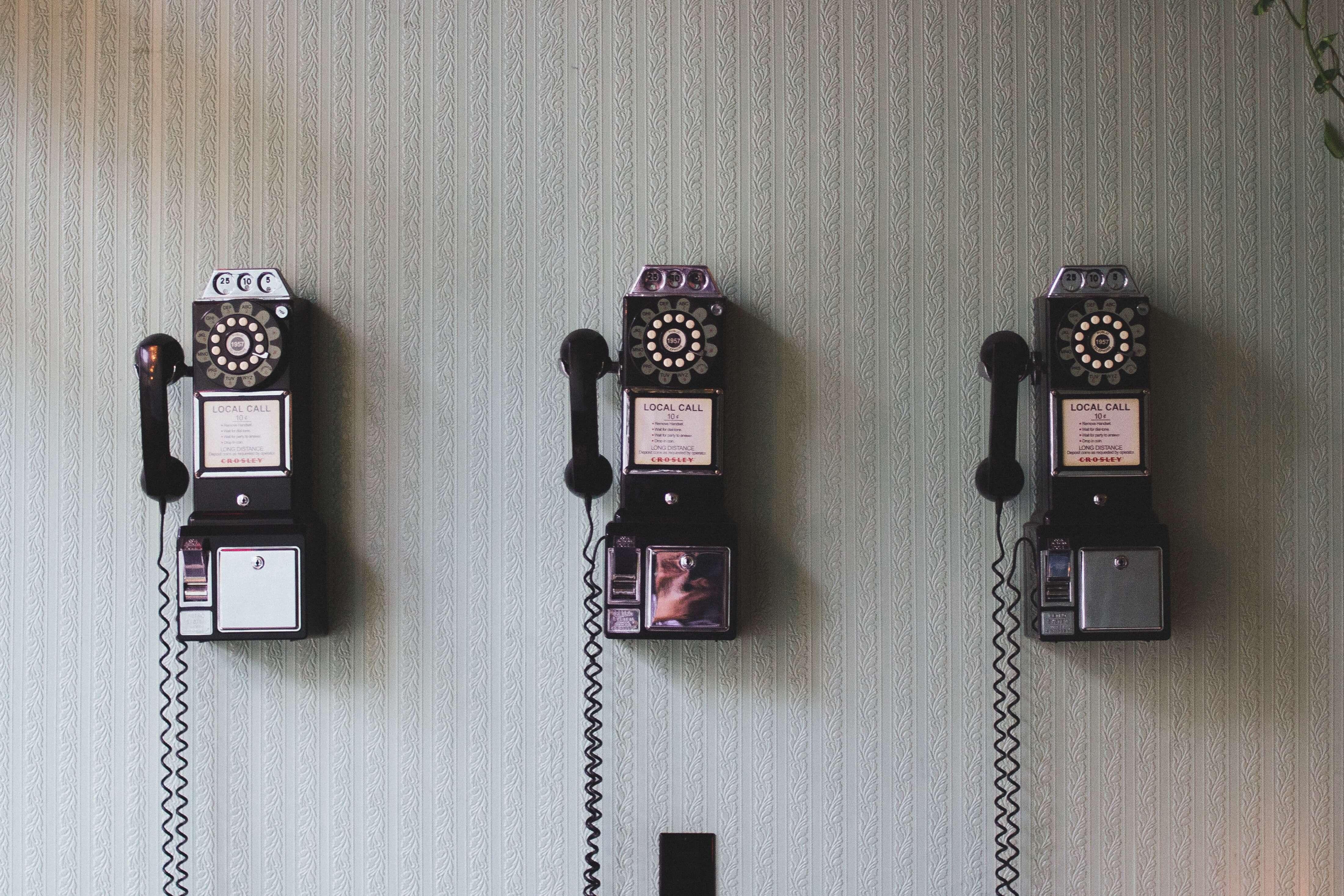 phones-min-1
